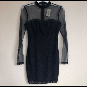 Forever 21 Long Sheer Sleeve Lace Dress NWT